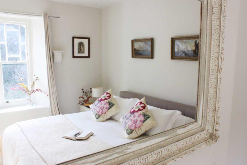 Cazlet bedroom into mirror higher best